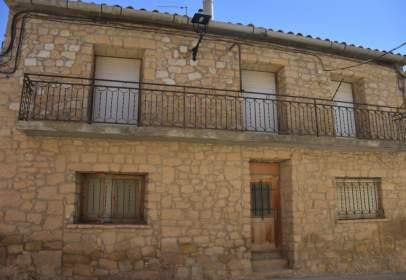 Casa aparellada a Cretas