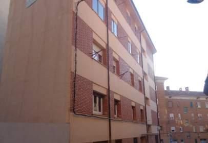 Flat in calle Bajo los Arcos, nº 19