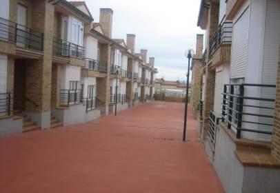 Casa pareada en Carretera Valladolid, nº 16