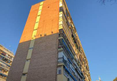 Flat in calle Lionel Carvallo, nº 4