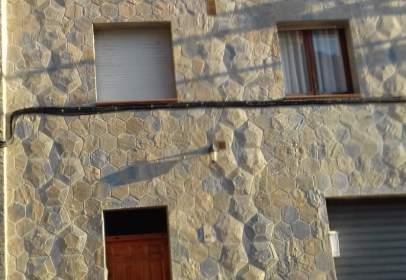 Casa adosada en calle Carrera, nº 43