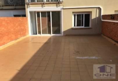 Pis a Avinguda de Cerdanyola, prop de Carrer del Vallès