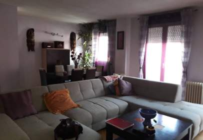 Apartamento en calle Mariano Hebrero