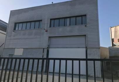 Nau industrial a Carrer d'Ollic