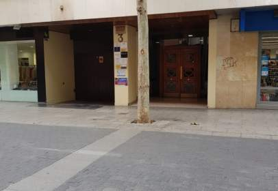 Almacén en calle de Ramón y Cajal, nº 3