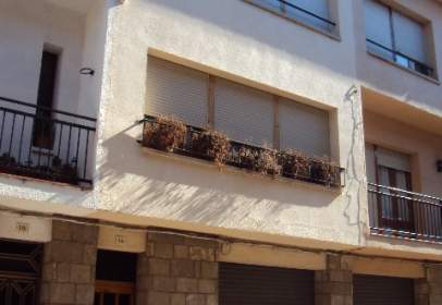 Casa adossada a Prats de Lluçanès