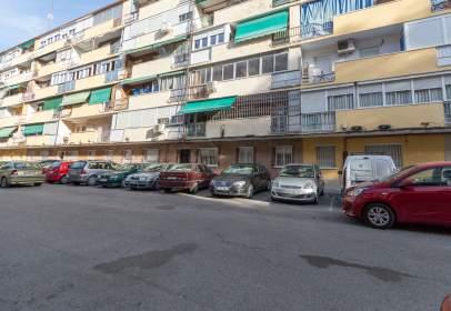 Pis a calle Alfonso X El Sabio, nº 5