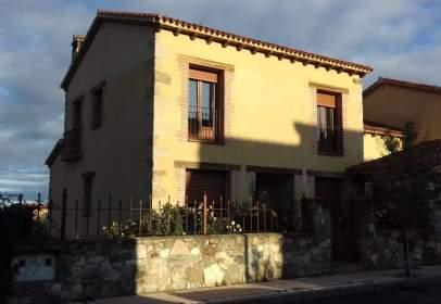 Casa adosada en calle San Pedro