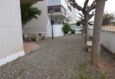 Flat in Carrer D'AmaDeu Vives, nº 32
