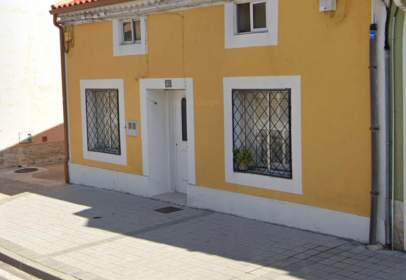 House in Carretera de Valladolid, near Calle de Arboleda