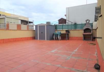 Pis a Avinguda de Prat de la Riba, prop de Carrer de València