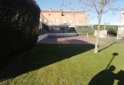 Casa adossada a Zona Paseo del Ebro