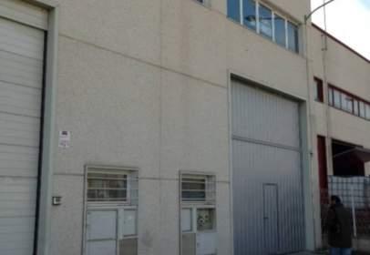 Nau industrial a calle de Nitra