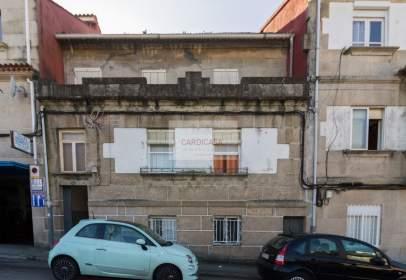 Edificio en Rúa Tomás Delmiro Martínez Silva