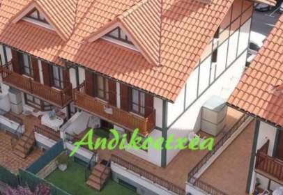 Casa adosada en calle Arrigorriaga