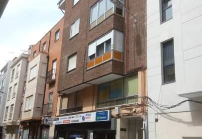 Local comercial en calle Julio Senador Gomez