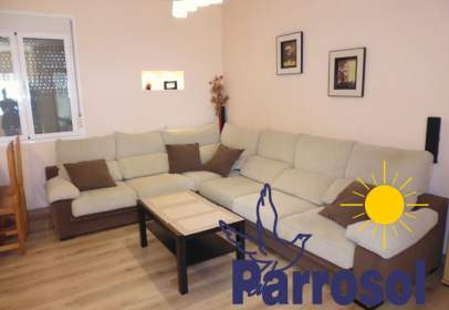 Apartment in calle de Alfonso XIII, 7