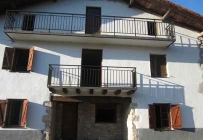 Rustic house in calle Ugalde, nº 14