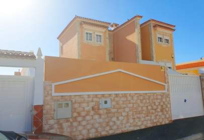 Chalet in calle Amapola