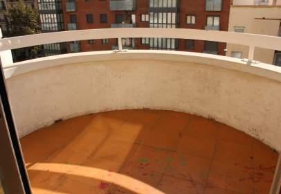 Piso en calle Avda.  Madrid, nº 215