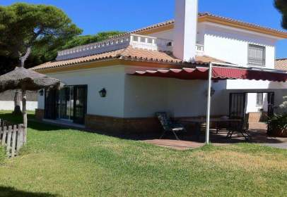 Chalet in Avenida Cristobal Colon