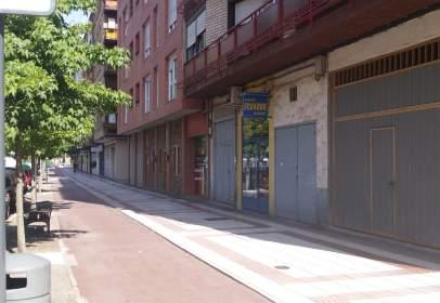 Local comercial en Avenida Zumalakarregi