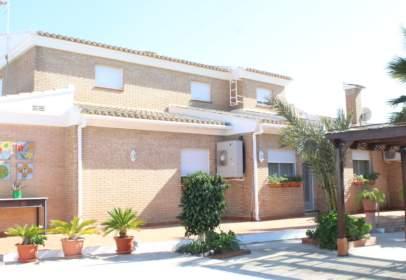 Xalet unifamiliar a Avenida de las Cortes Valencianas