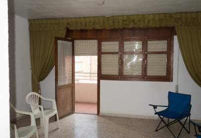 Flat in calle Plaza Cipres