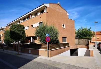 Casa adosada en Avenida Lleida, nº 25