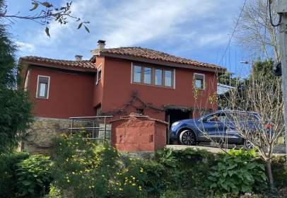 Casa en calle San Juan de Parres, nº 17