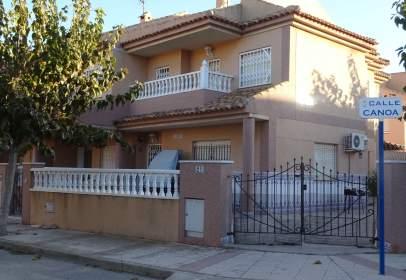 Duplex in calle de Canoa
