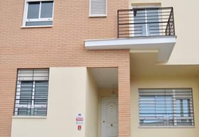 Casa adosada en calle de Pablo Ruiz Picasso