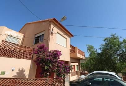 Casa a Barrio de Jaravia