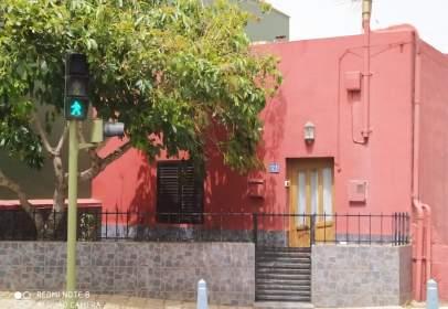 Casa adosada en Camino de San Bartolomé de Geneto, cerca de Calle Valos