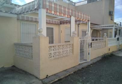 Casa adossada a Parque del Miño