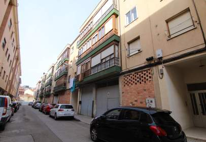 Pis a calle Agustina de Aragón
