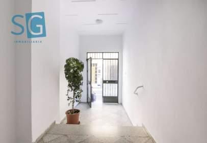 Flat in calle Hospital de La Virgen, nº 7