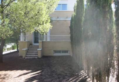 House in calle La Loma Bada, nº 16
