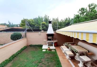Casa adosada en Carrer de Folch I Torres