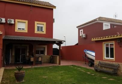 Casa pareada en calle del Paraíso