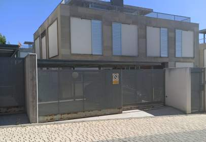 Paired house in calle de la Cebada