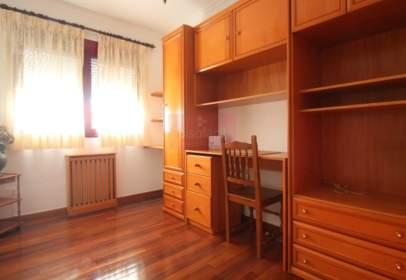 Apartment in calle del Pintor Villamil