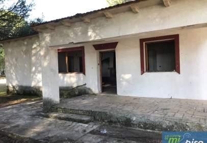 Casa unifamiliar en Urbanización Carrapeñalba, nº 1