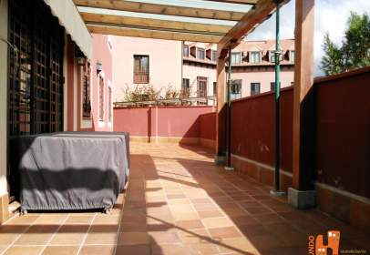 Flat in Paseo Escultores Coullaut Valera