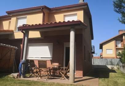 Casa en calle Peñagembres