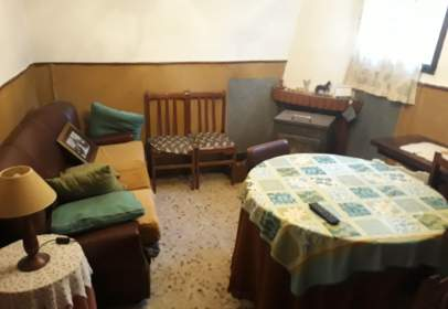 Terraced house in calle Mariana