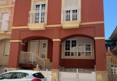 Terraced chalet in calle Azahar