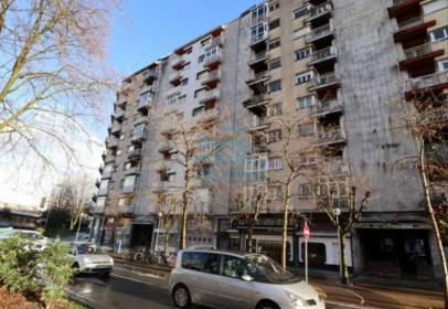 Flat in calle Eustasio Amilibia, nº 9