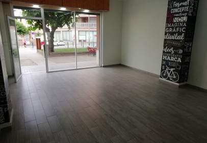 Local comercial a Carrer del Mossèn Jacint Verdaguer, prop de Carrer del Doctor Robert