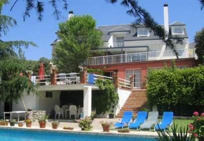 Single-family house in calle Km. 35 M-501